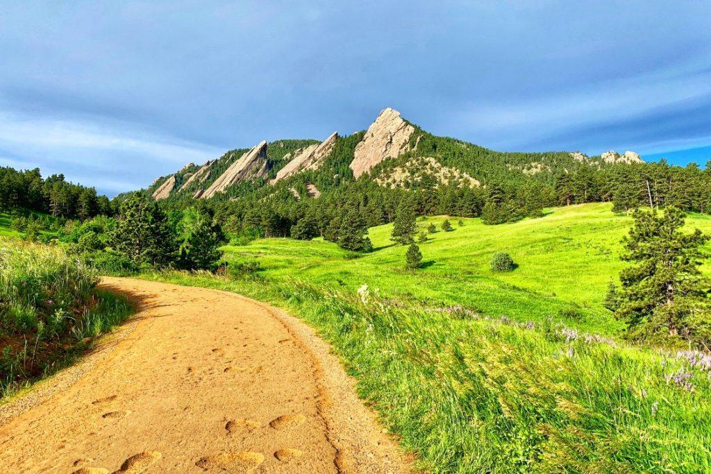 Hiking in Boulder Chautauqua Trails Girls Weekend in Boulder
