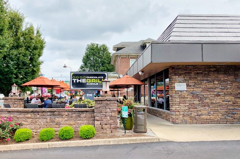 Chocolate Avenue Grill Restaurants in Hershey with Outdoor Seating Toddling Traveler
